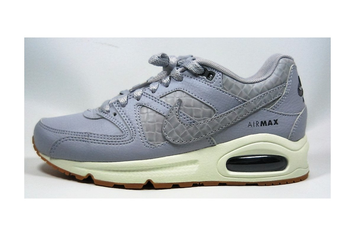 reputable site 8f4f8 17cc2 NIKE AIR MAX COMMAND PRM. Loading zoom
